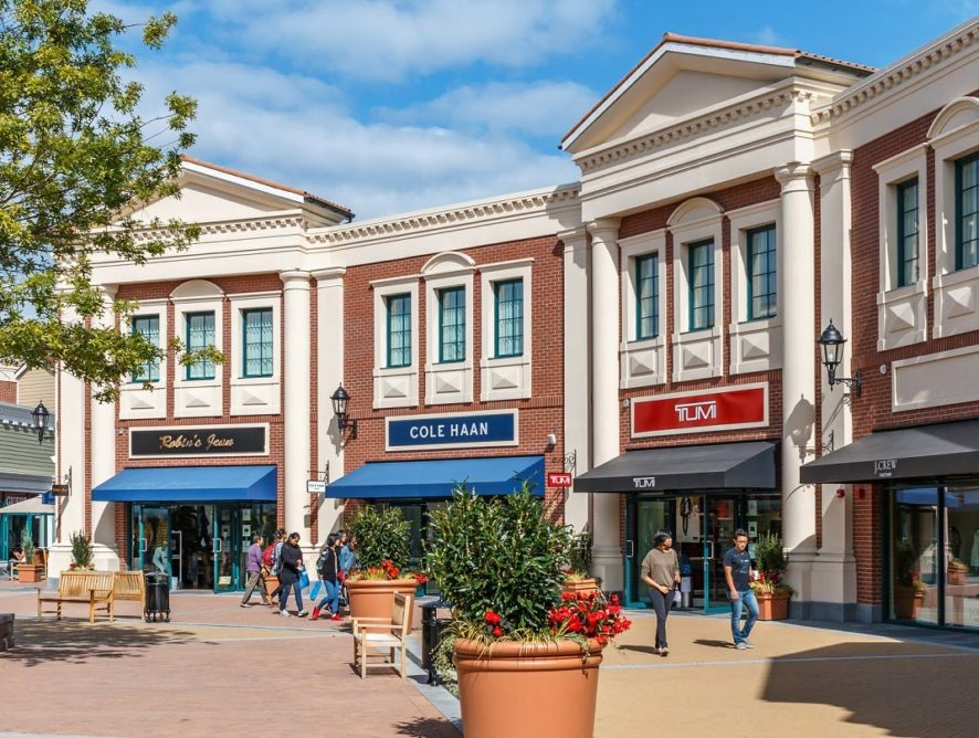 Outlet Malls Making the Move to Online